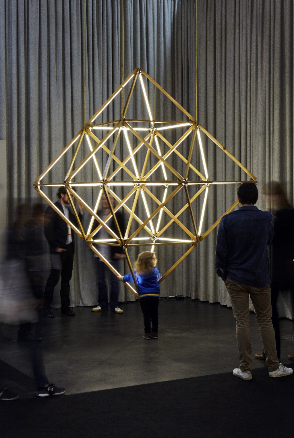 stickbulb_x-diamond-3_60_icff